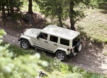 Jeep Wrangler Unlimited 4D фото