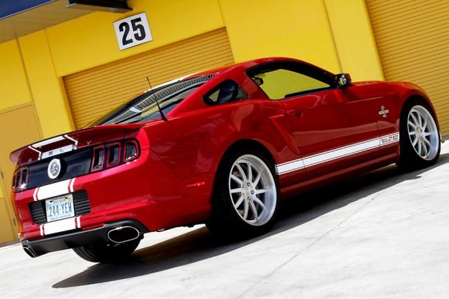 Форд Мустанг Шелби GT500 Super Snake фото