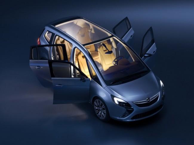 Opel пролил свет на Зафиру нового поколения
