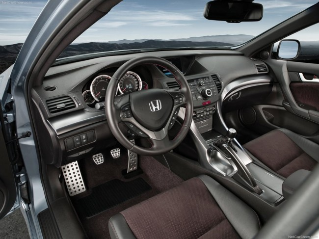 Салон Honda Accord 8