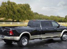 Огромный пикап Dodge Ram Long-Hauler фото