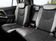 Интерьер Toyota RAV 4 фото