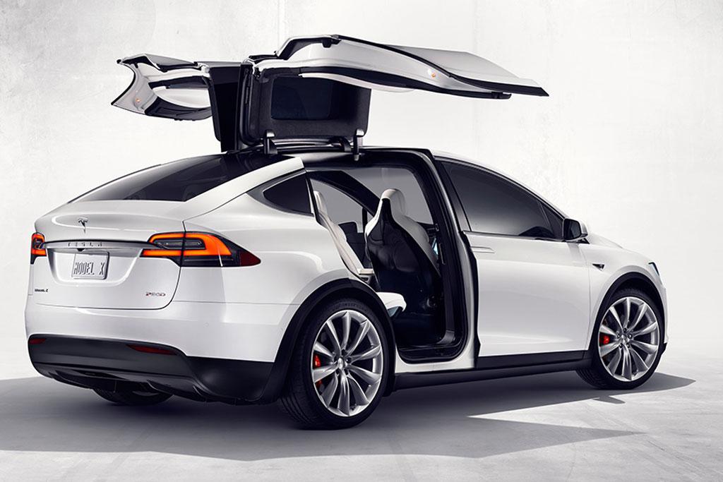 Фото нового Tesla Model X