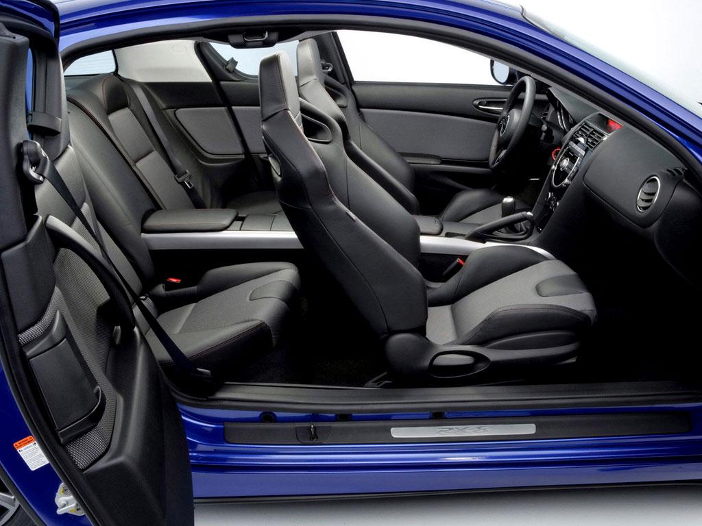 Интерьер Mazda RX-8 фото