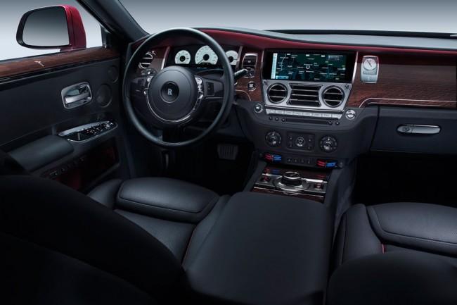 Салон автомобиля Rolls Royce Ghost Series II