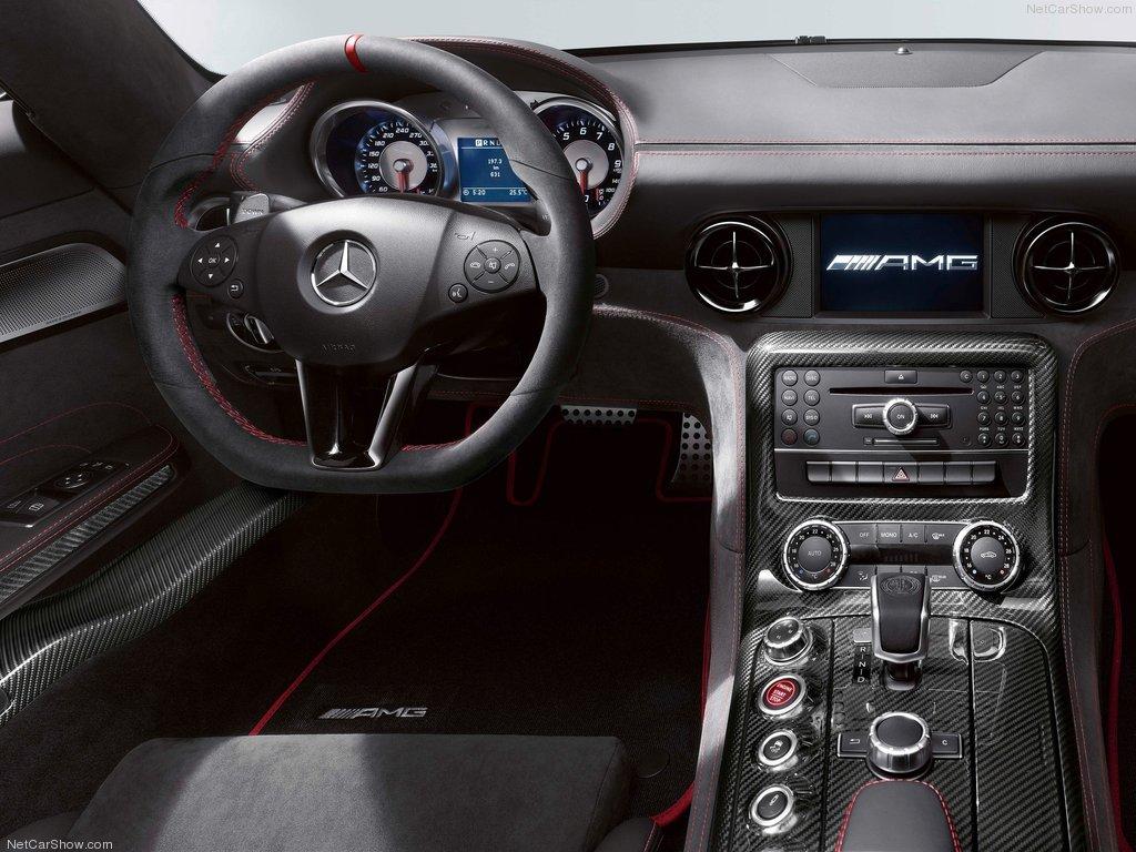 Фото салона SLS AMG Black Series