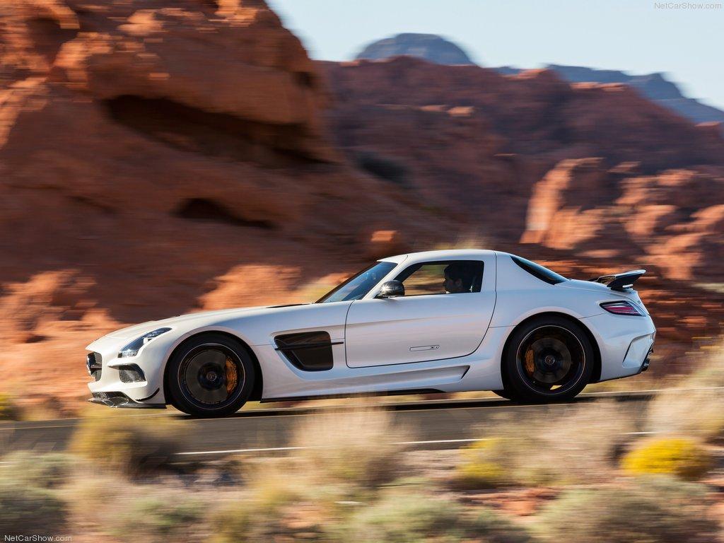 Фото нового Mercedes SLS Black Series
