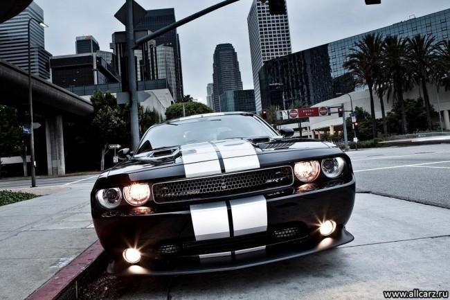 Фото Dodge Challenger 3