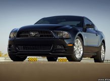 Ford Mustang черный