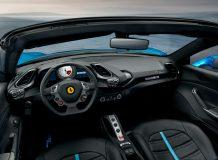 Фото салона Ferrari 488 Spider