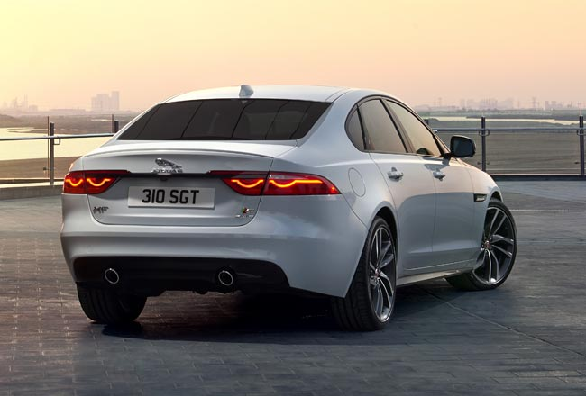 Новый Jaguar XF 2