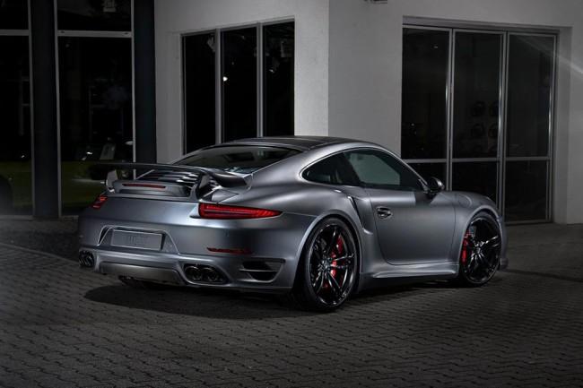 Porsche 911 Turbo S в обвесе Dark Knight