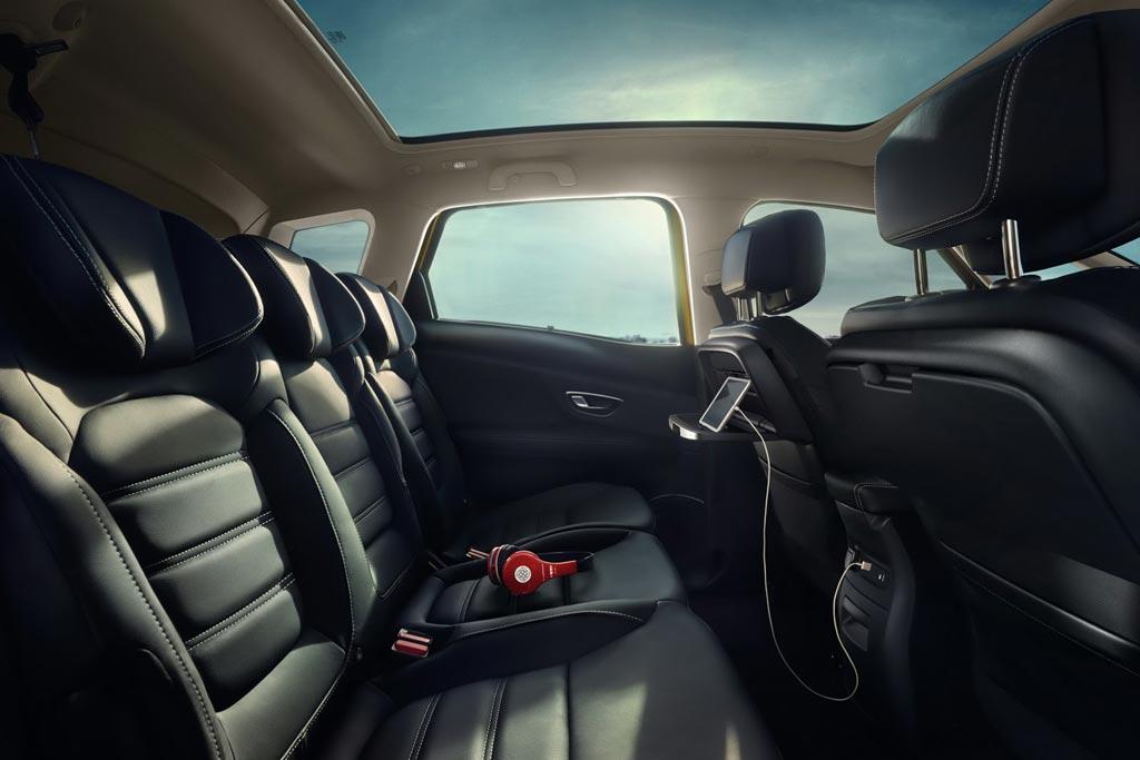 Интерьер Renault Scenic 4 фото