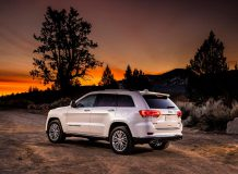 Jeep Grand Cherokee Summit фото