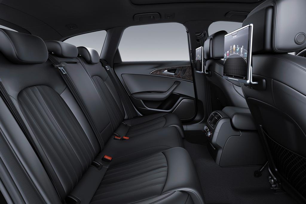 Интерьер Audi A6 Avant 2017