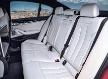 Интерьер BMW M5 F90