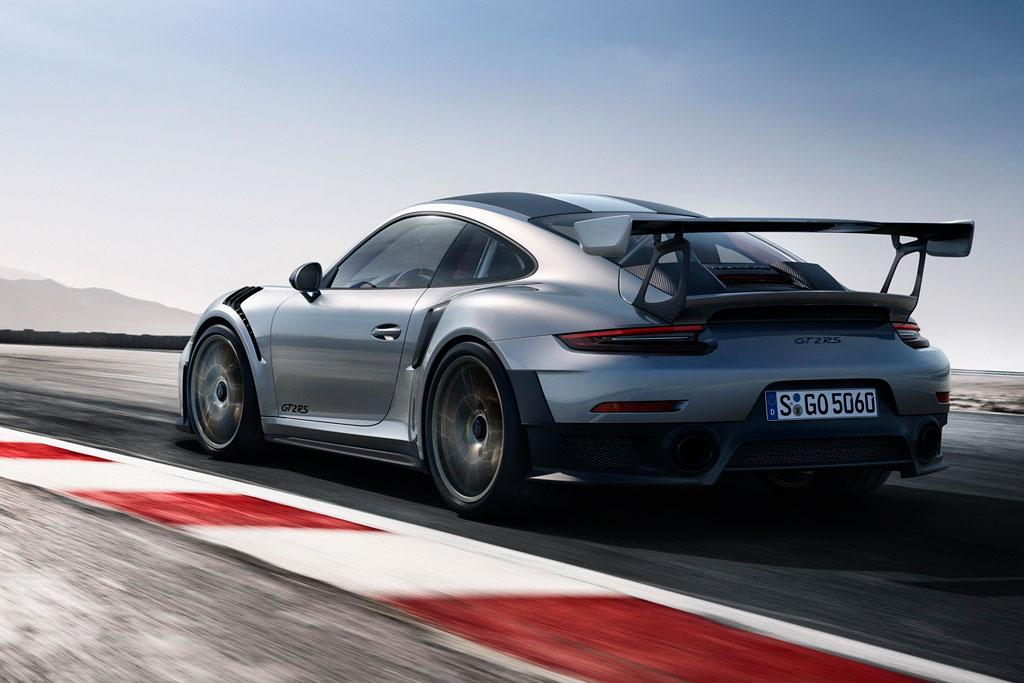 Новый Porsche 911 GT2 RS 2018 фото
