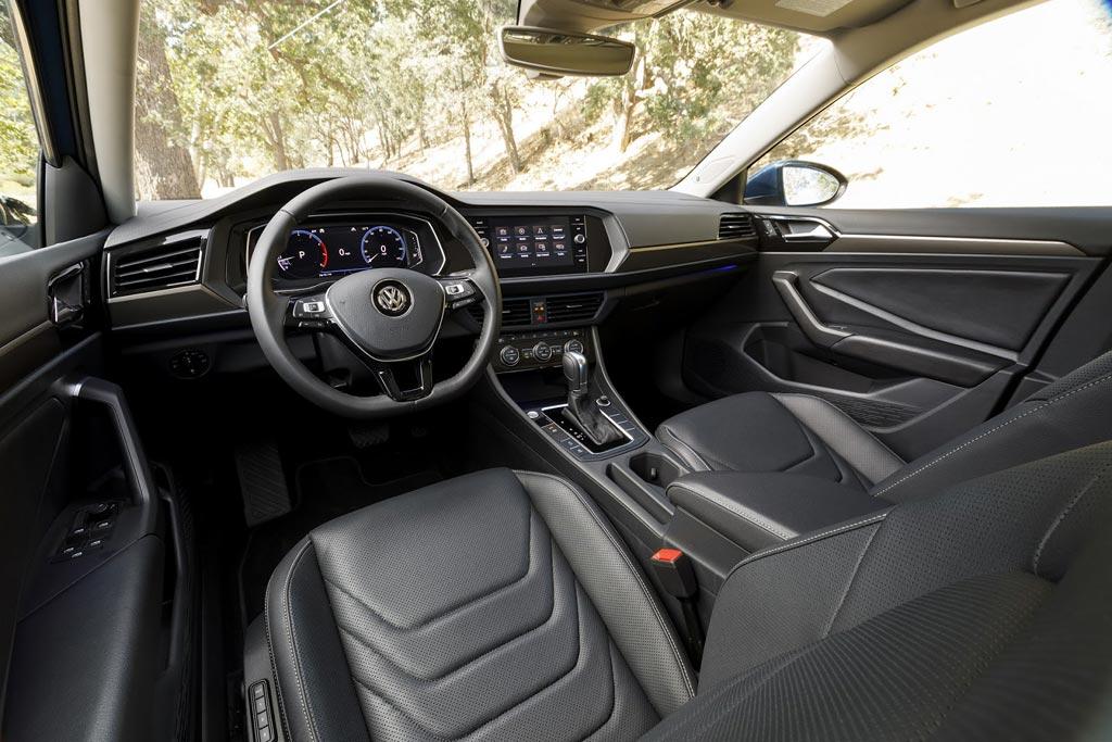 Салон Volkswagen Jetta 2021