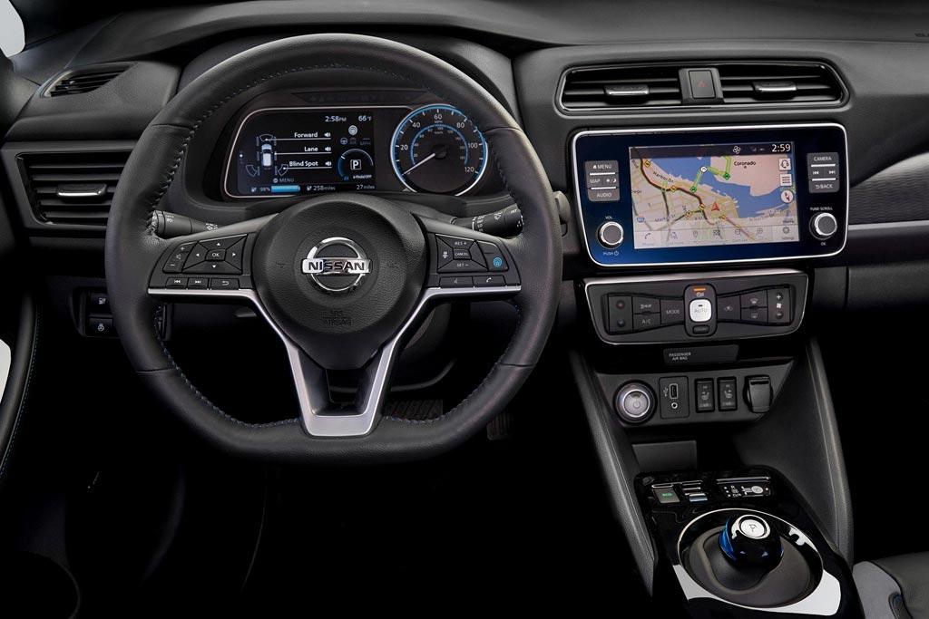 Салон нового Nissan Leaf e plus
