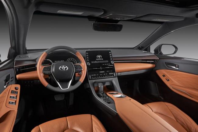 Салон Toyota Avalon 5