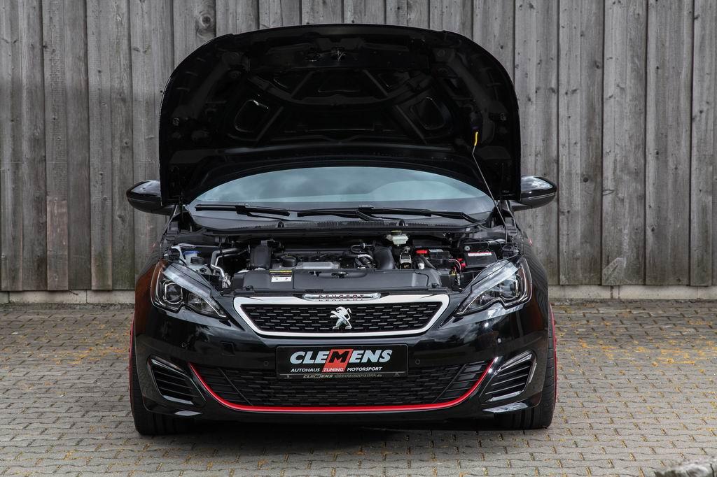 В ателье Clemens Motorsport добавили лошадок Peugeot 308 GTi
