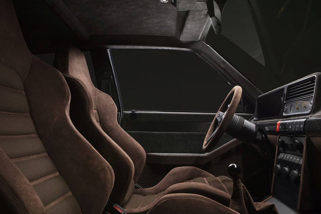 Салон Lancia Delta Futurista