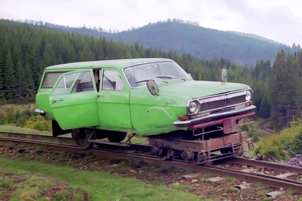 ГАЗ-24-02 на рельсах
