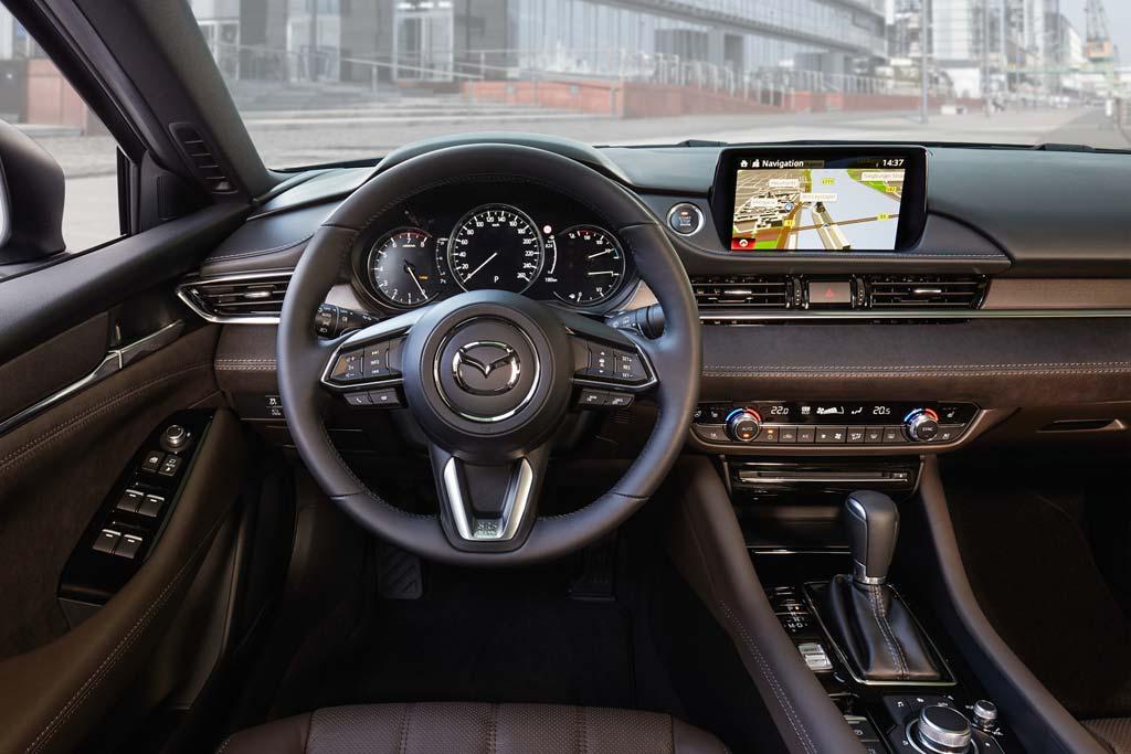 Салон Mazda 6 2021