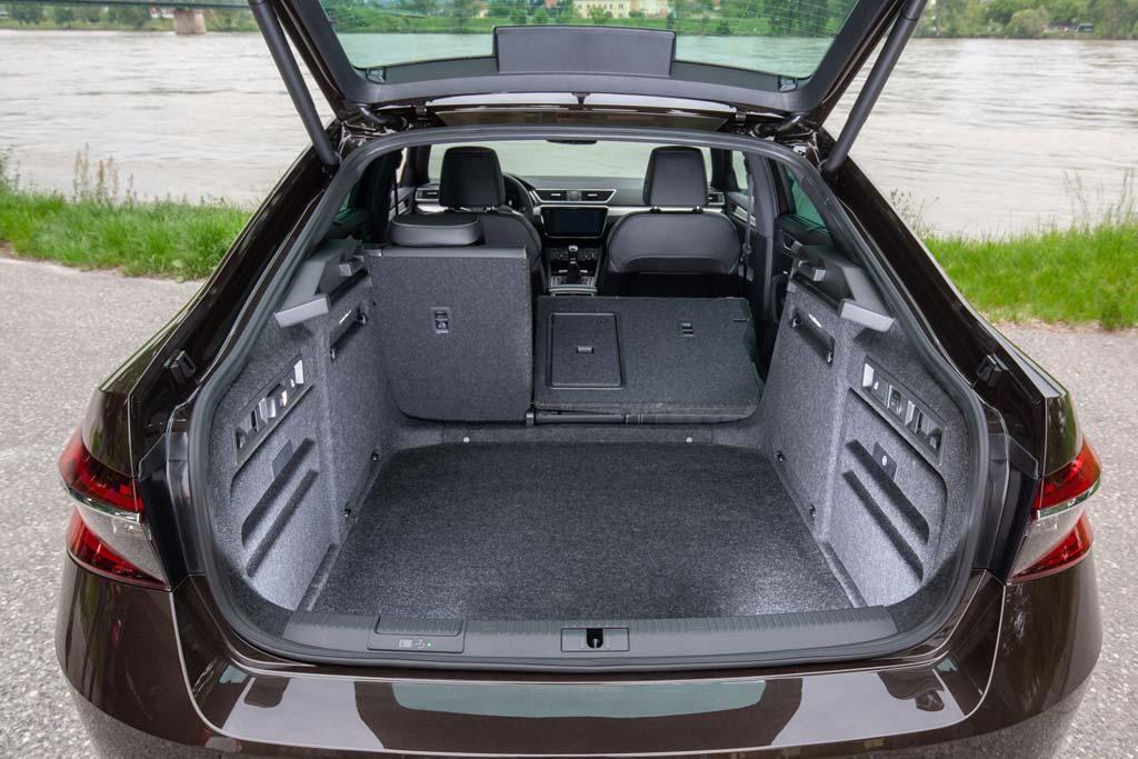 Багажник Skoda Superb 2021