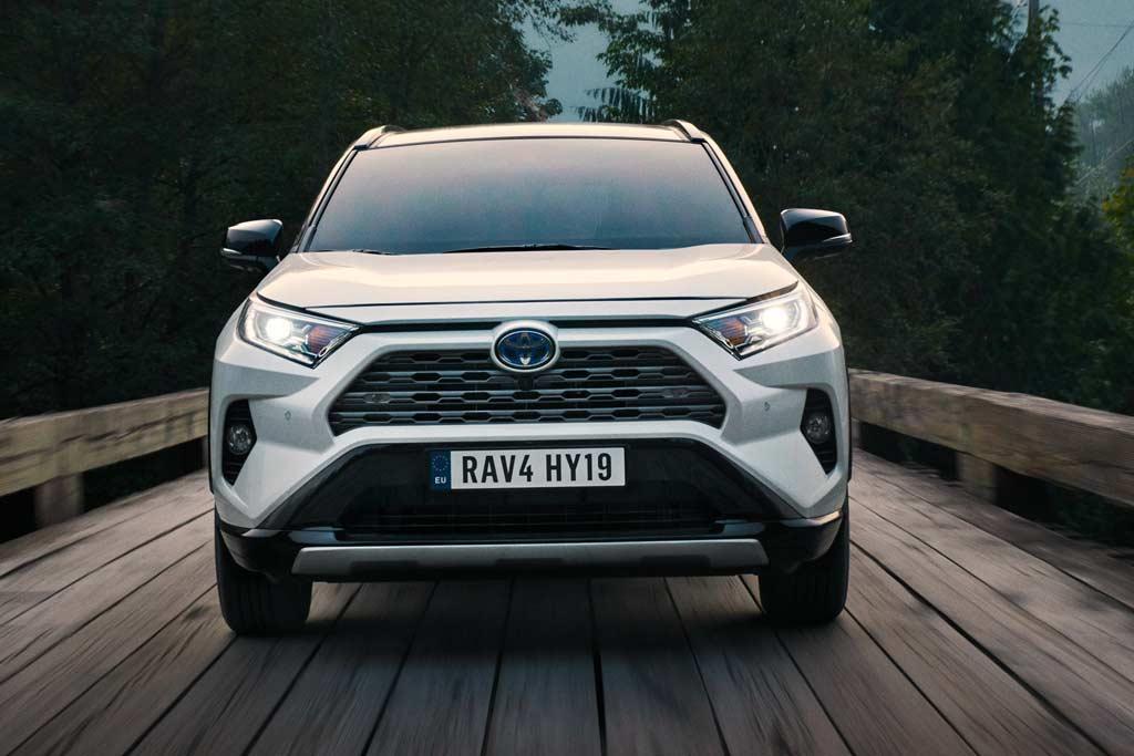 Новая модель Toyota RAV4 2021