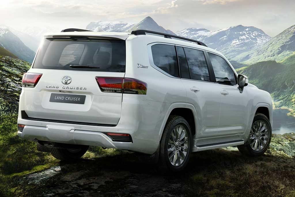 Скоро на дорогах РФ: начались продажи нового TLC 300