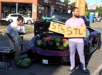 Продажа арбузов из Lamborghini