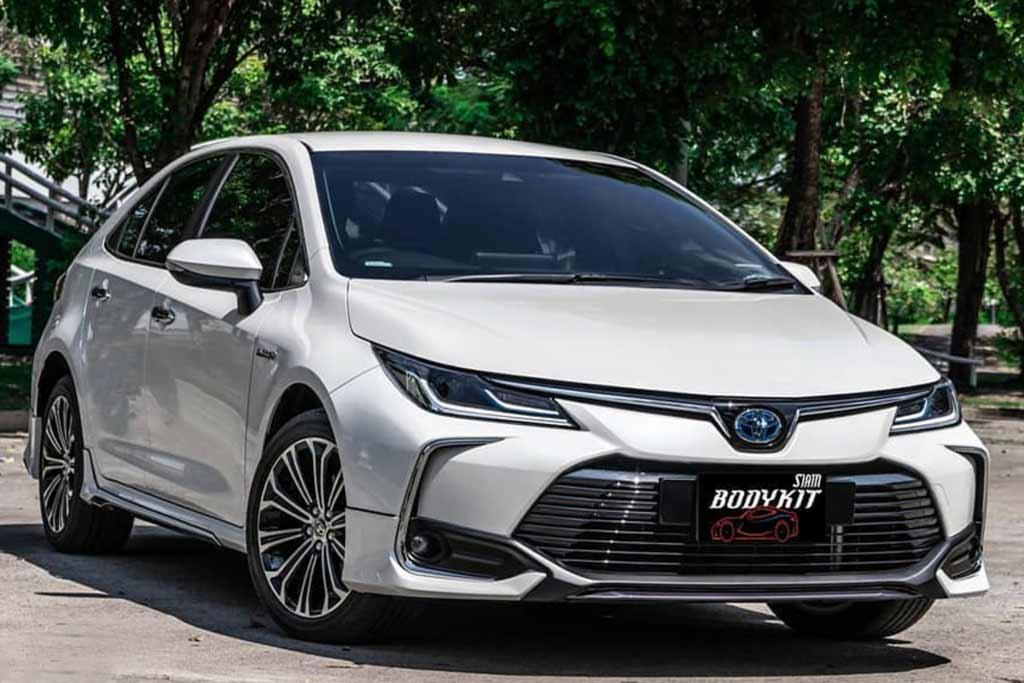 Новая Тойота Королла 2021 года
