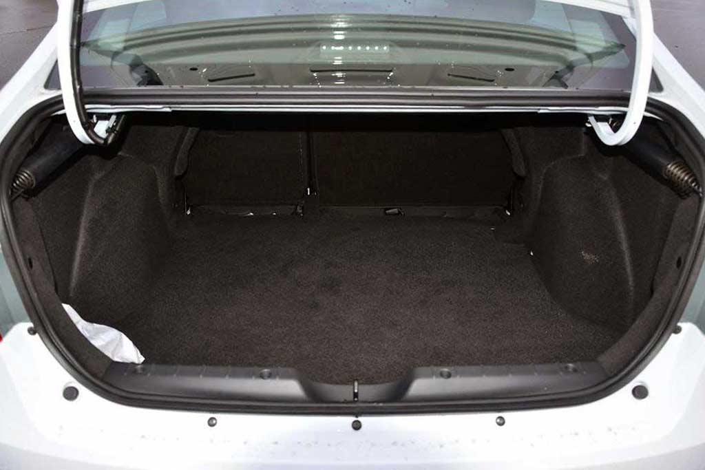 Багажник Lada Vesta
