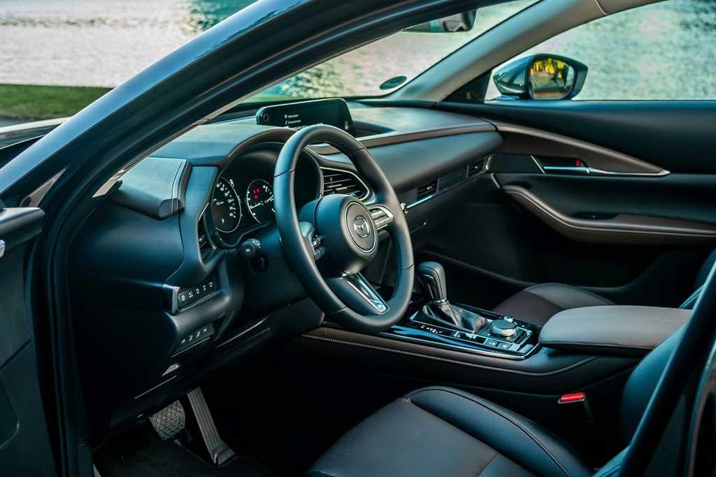 Недостатки Mazda CX-30 2021: все минусы и плюсы по отзывам владельцев