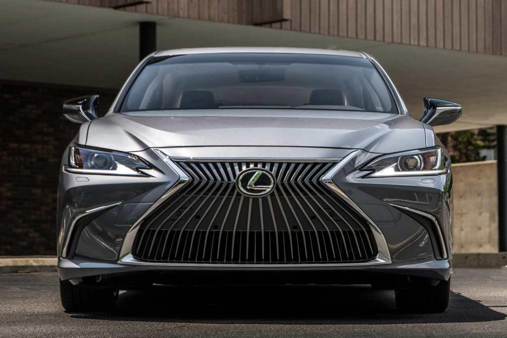 Lexus ES 2021 модельного года