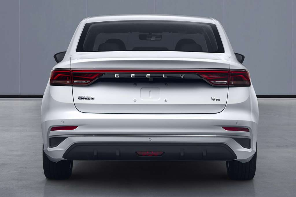 Geely Emgrand 2021