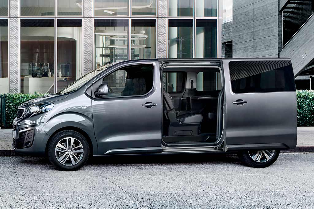 Peugeot Traveller 2021 в новом кузове
