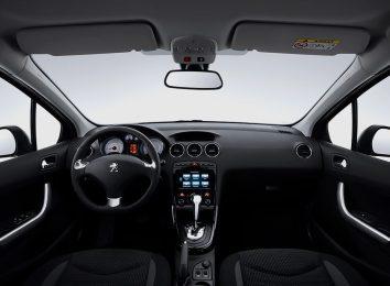 Peugeot 408 Sedan