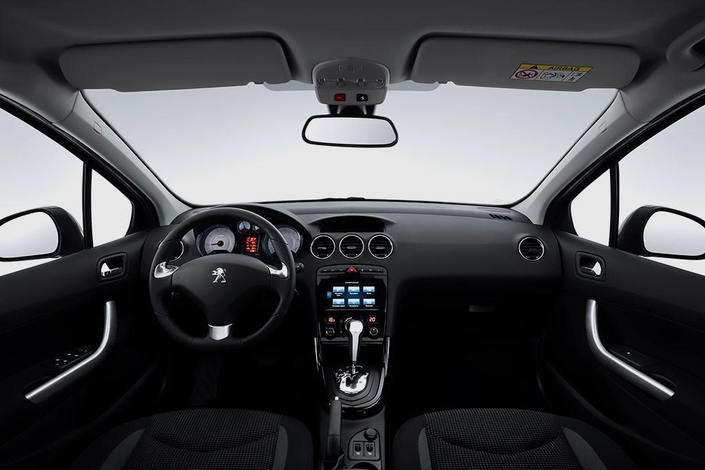 Салон Peugeot 408 Sedan