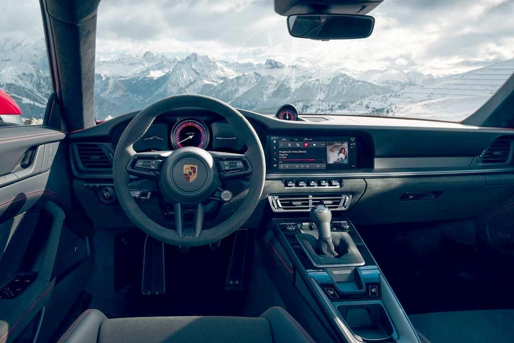 Porsche 911 Carrera GTS (992)