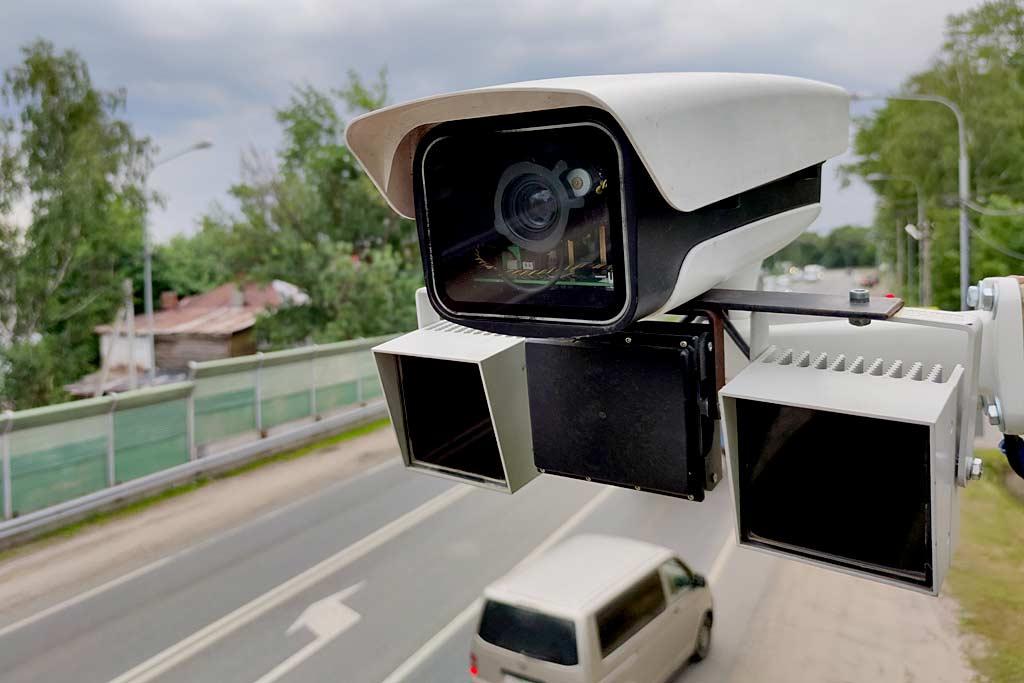 Камеры научились распознавать людей и силуэты машин: зачем это нужно?