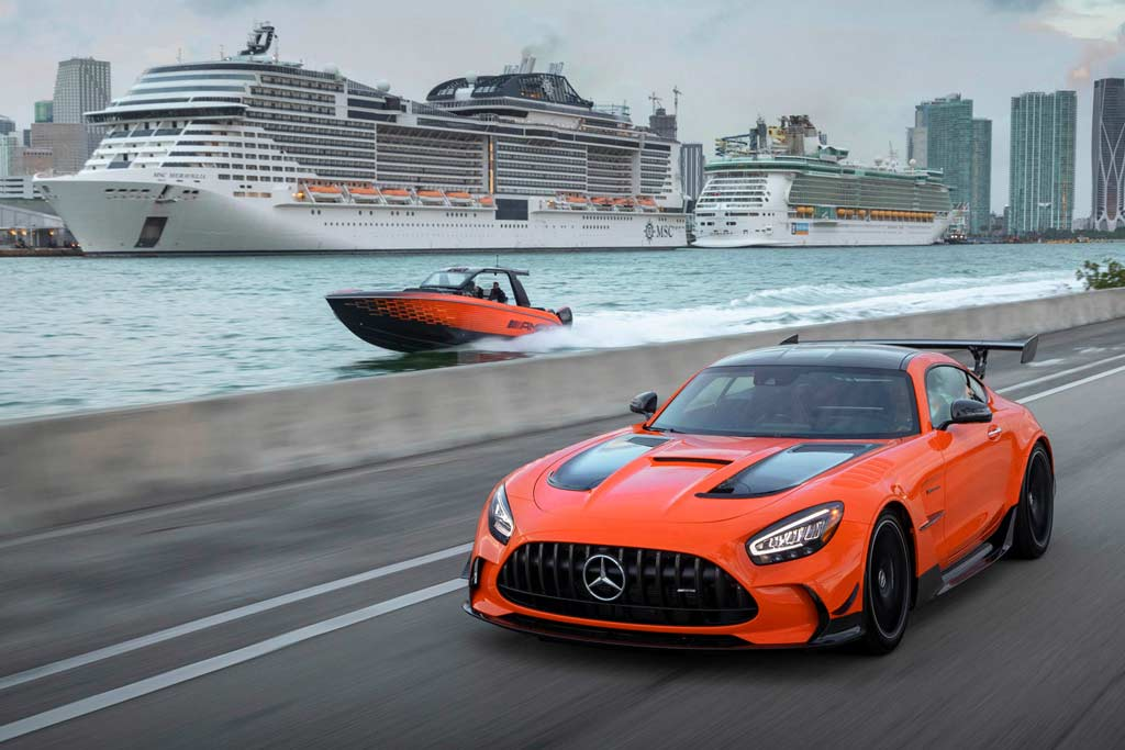 Представлен 2 250-сильный катер в стиле Mercedes-AMG GT Black Series