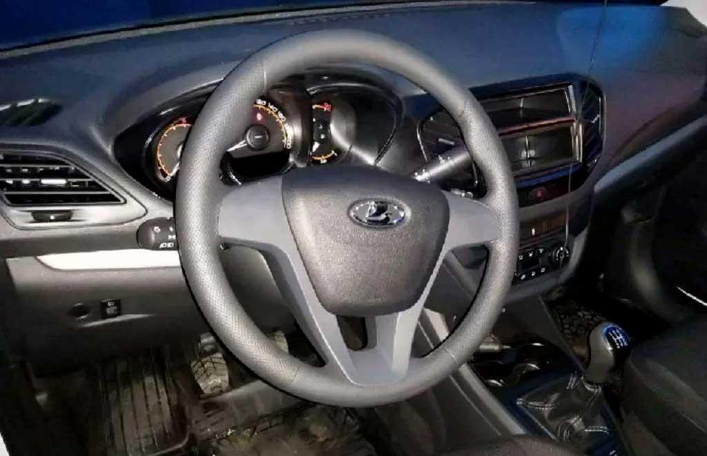 Из-за дефицита электронных компонентов модели Lada продают без мультимедийки