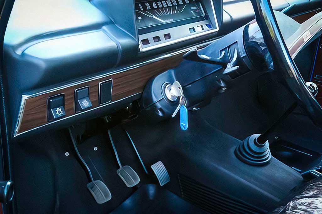 В России продают «двойку» ВАЗ-2102 по цене нового Cadillac Escalade