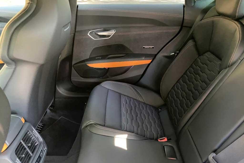 Обходными путями: до России добрался очень дорогой Audi e-tron GT RS