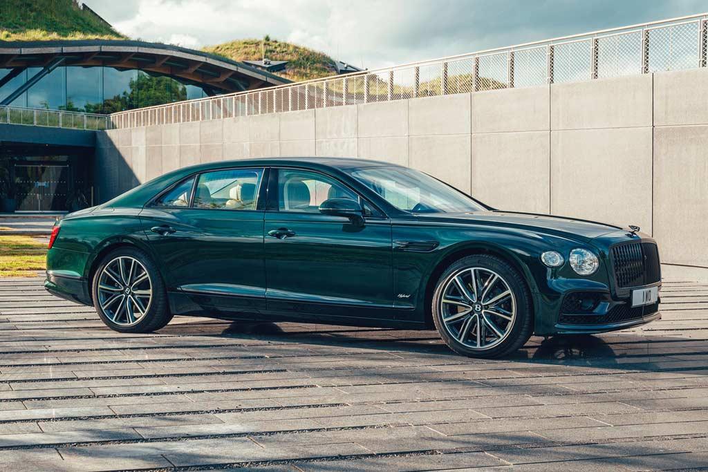Роскошный седан Bentley Flying Spur обзавелся гибридной модификацией