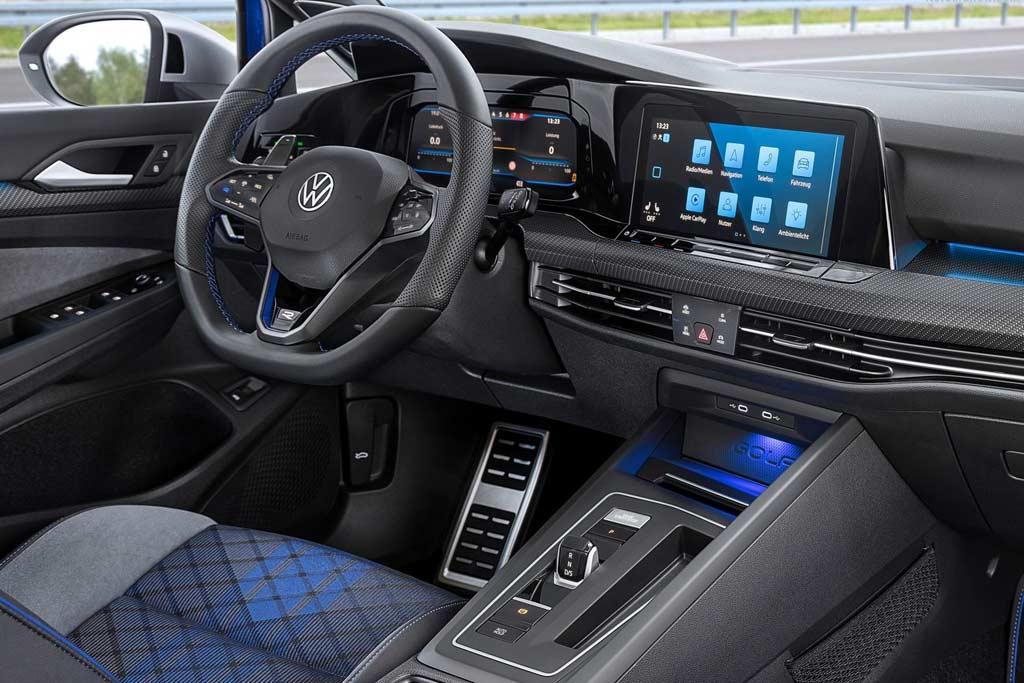 Немцы представили «заряженный» универсал Volkswagen Golf 8 R Variant