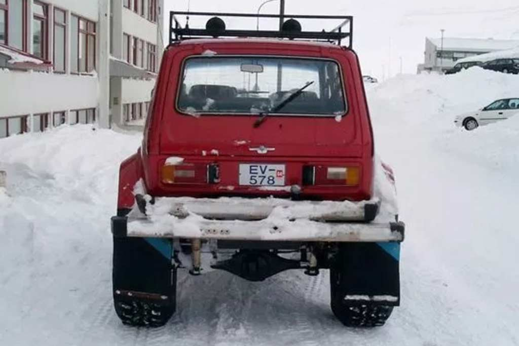По Исландии колесит шестиместная «Нива» с мостами от УАЗ-469