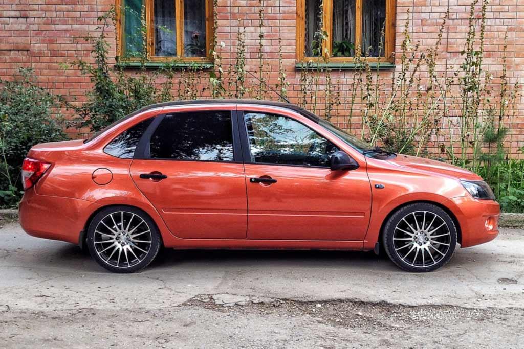 Автомобили семейства Lada Granta получат новые покрышки Kama Grant